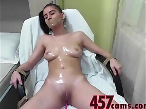 Taped Up Babe Cums On Stream- 457cams.com